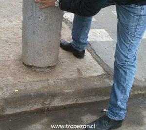 Cilindros de cemento que se encuentra desajustado de su base