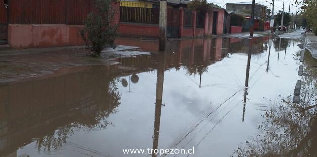 Calle Rodas con Apolo XIII inundada