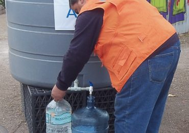 Concejal propone que municipio realice demanda a empresa Aguas Andinas por corte de agua en Pudahuel