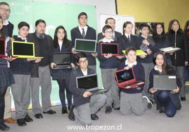 Entrega de computadores llega a un 75% de avance en la región Metropolitana