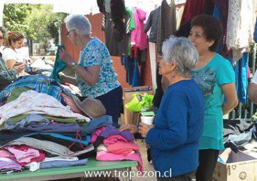 Pastoral católica realizó venta de productos donados en Cerro Navia
