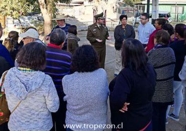 Provechosa reunión de seguridad de vecinos con autoridad policial y diputado  en Pudahuel