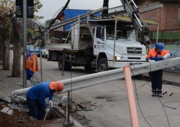Por cuarta vez es derribado poste del tendido eléctrico por choque en Pudahuel