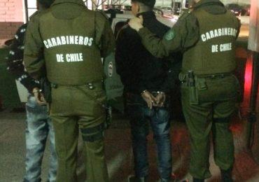 Por robo con intimidación, carabineros detiene a tres delincuentes en Pudahuel