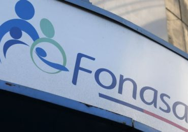 Más de mil millones de pesos de cotizaciones pagadas en exceso, para y  trabajadores y empleadores, están en FONASA para ser devueltas