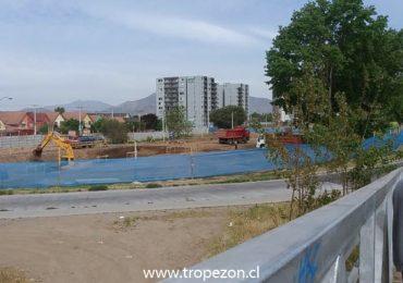 Difícil situación enfrenta la municipalidad de Pudahuel, que busca anular permisos de edificación privada en terreno destinado a ser un parque