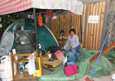 Tras 14 años de litigio judicial, familia termina desalojada y durmiendo en la calle en Pudahuel