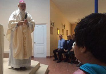 Monseñor Celestino Aós celebró misa en capilla rural de Pudahuel
