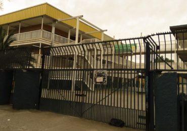 Apoderados acusan ser engañados por traslado de colegio en Pudahuel sur