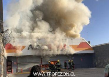 Incendio destruye local comercial que había sido saqueado hace algunas semanas en Pudahuel