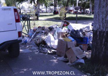 Sectores de uso público son expuestos a gran volumen de basura en Pudahuel