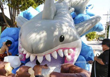 Tiburón y juegos entretenidos trajeron alegría a niños y niñas a un sector de Pudahuel