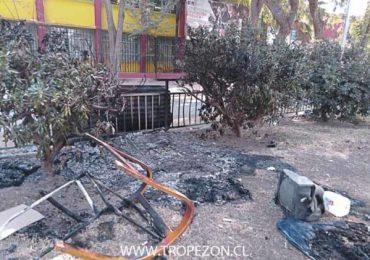 Desconocidos queman enseres de gente en situación de calle en Pudahuel
