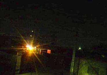 Joven muere electrocutado tras subir a un poste del tendido eléctrico en Cerro Navia