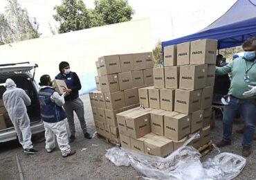 """""""Alimentos para Chile"""": Así reparte Cerro Navia las cajas de mercadería entregadas por el Gobierno"""