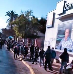 BancoEstado: Continúan con extensas filas en Pudahuel