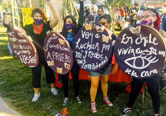 """Con manifestaciones artísticas y barricadas Pudahuel conmemora el primer """"aniversario"""" del 18-O"""
