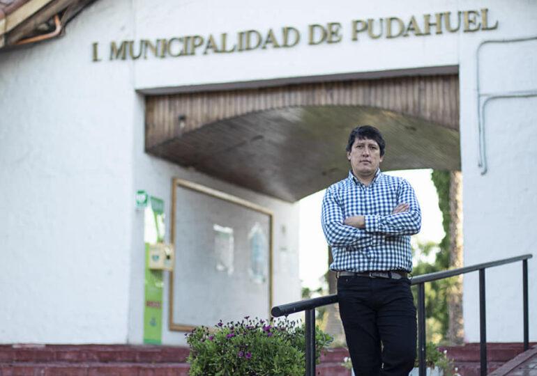 Es oficial: Manuel Ibarra es precandidato a alcalde de Pudahuel tras ser aprobada su inscripción ante notario