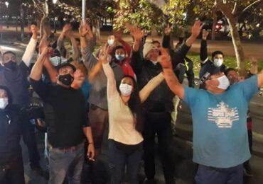 NO + TAG mete ruido en calles de Santiago exigiendo mejoras sociales