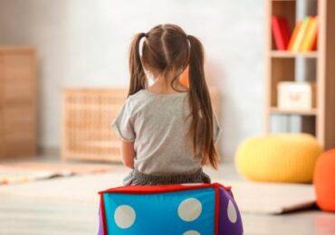 La niña autista es invisible