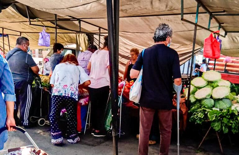 Vecinos denuncian que algunos locatarios de ferias libres no respetan medidas sanitarias en Pudahuel