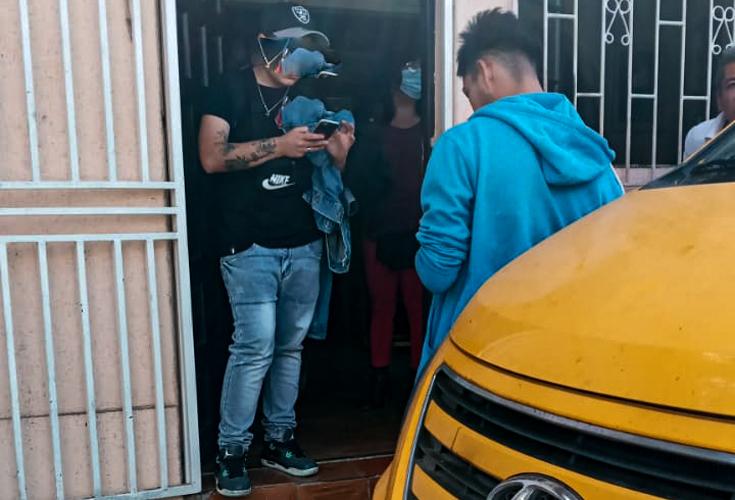 Expectación causa persecución a jóvenes con armas cortantes en Pudahuel