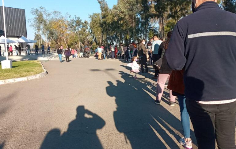Gran interés de la gente por vacuna contra COVID-19 en Pudahuel