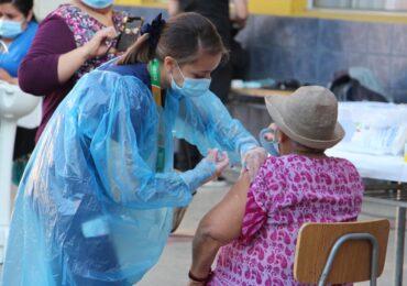 Revisa cómo va el proceso de vacunación contra el COVID-19 en Cerro Navia y Pudahuel