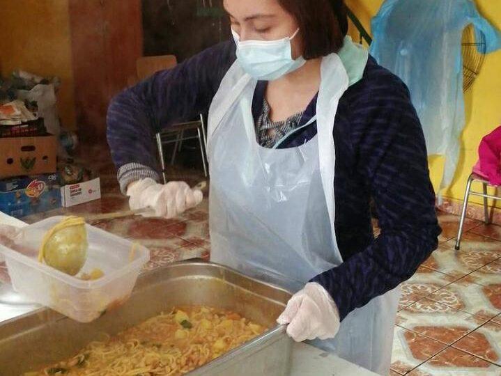 """""""Las ollas comunes son necesarias"""": Organizaciones siguen entregando alimentos en Pudahuel"""