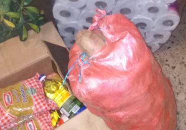 Grupo solidario recauda alimentos y va en ayuda de sus propios vecinos en Pudahuel