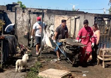 Casa resulta con pérdida total por incendio y deja cinco damnificados en Pudahuel