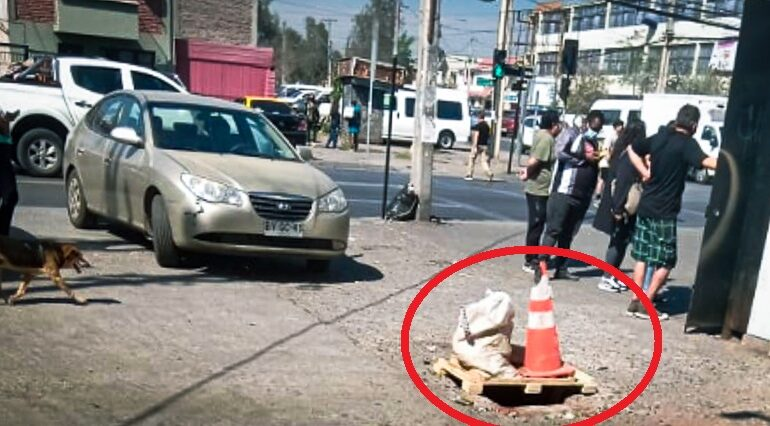 Agujero pone en peligro a peatones en Cerro Navia